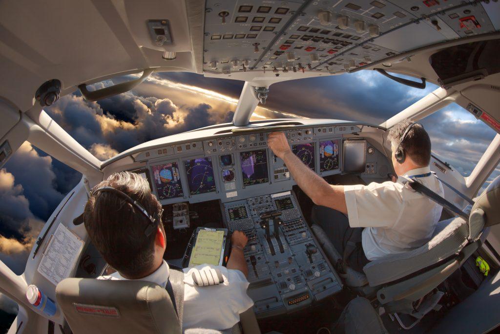 Prova l'esperienza del volo diventa pilota di linea