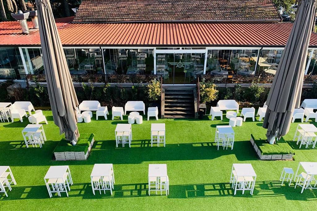 Ristorante Lounge Bar che si trova presso l'Aeroporto di Boscomantico