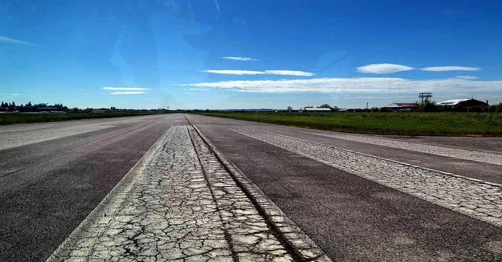 Veduta della pista dell'aeroporto di Boscomantico