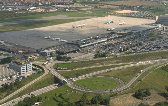aeroporto verona villafranca